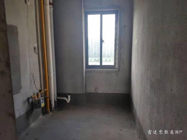 出售金宿华府中间楼层3室毛坯116平,临近恒大绿洲万科碧桂园,99万