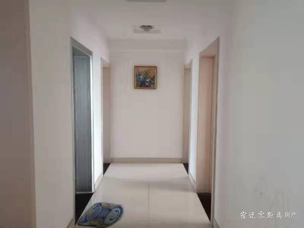 出租黄河上院精装三室两厅两卫,拎包即住,每月1900元