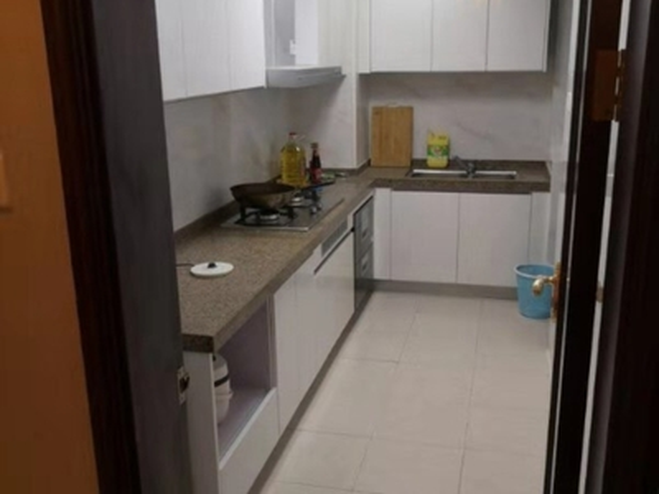 恒大华府 精装 两室 一次未入住 送全新家具家电 房型方正