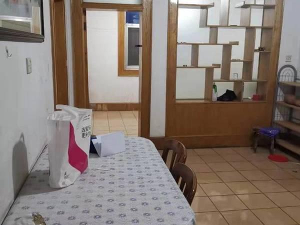 出租马陵公园附近三室简装100平,拎包即住,每月1100元