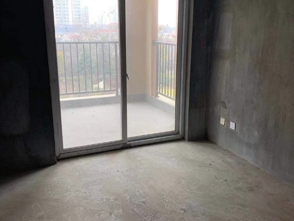 出售金鼎名府3室2厅2卫140平米140万住宅