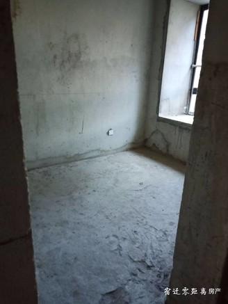 售翡翠蓝湾4室2厅2卫毛坯 有名额