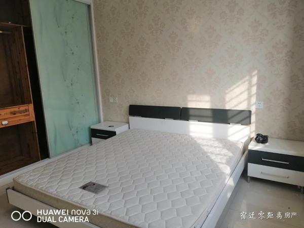 出租皇冠公寓3室2厅1卫110平米2300元/月住宅