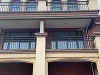 出售万夏 四季华庭双拼别墅,花园有120平米左右5室4厅4卫320万住宅