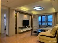 售嘉汇枫景园三室精装118平,满二唯一,120万
